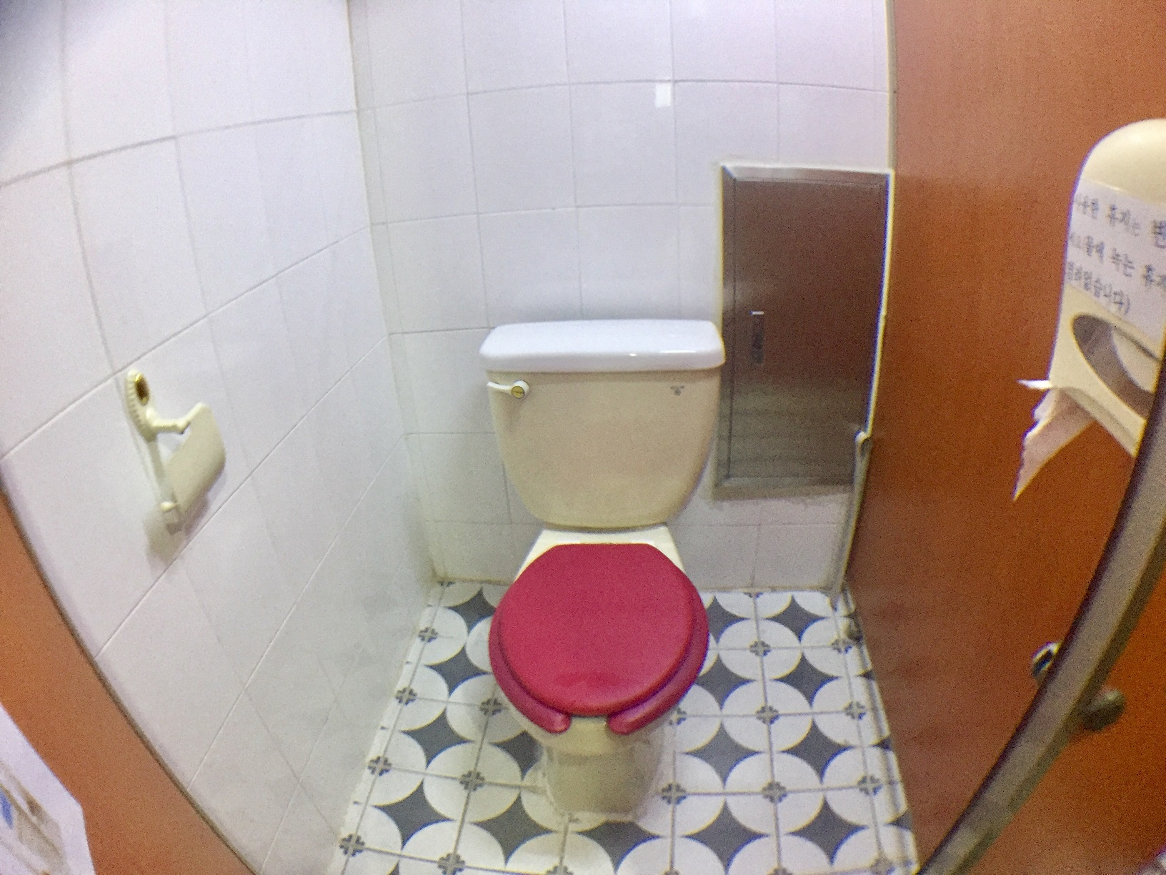 女性トイレ3