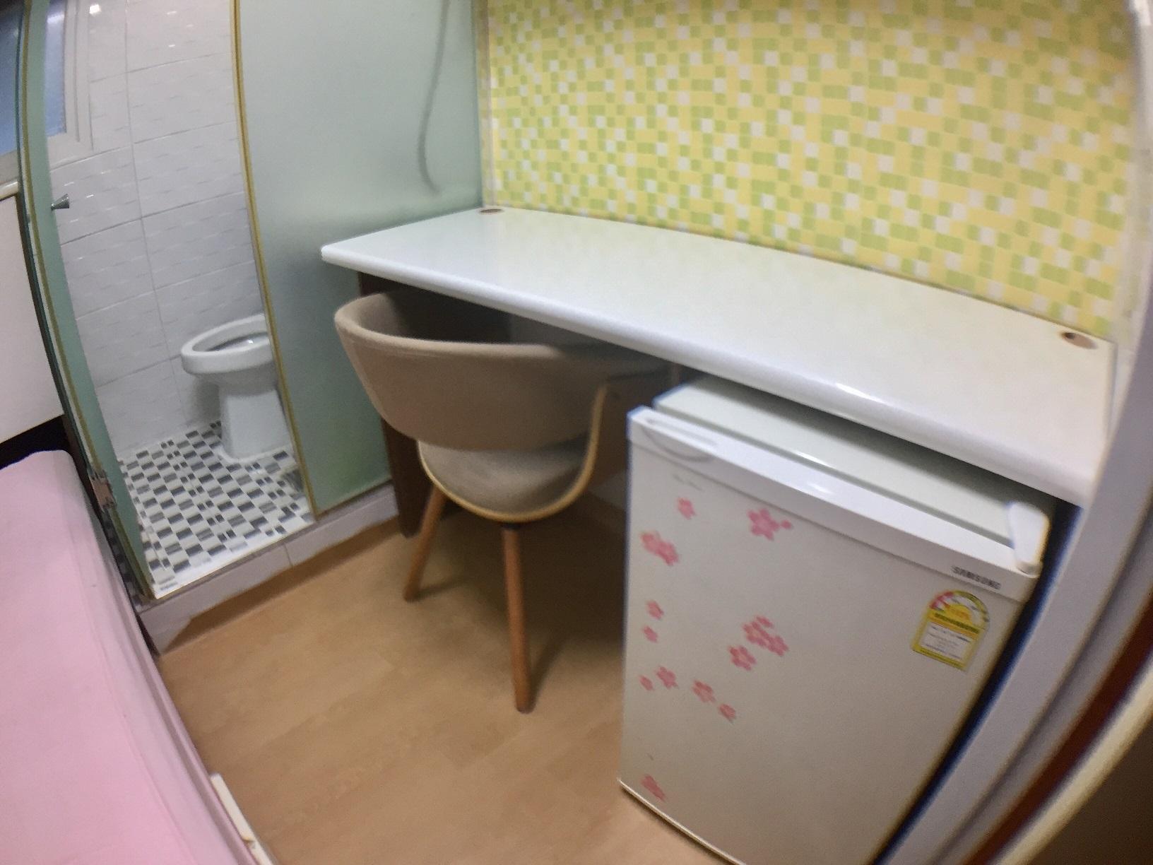 トイレ・シャワー付2