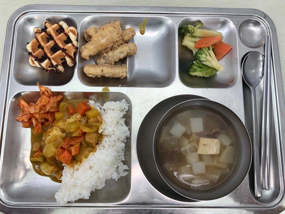 釜慶大学寄宿舎食堂2