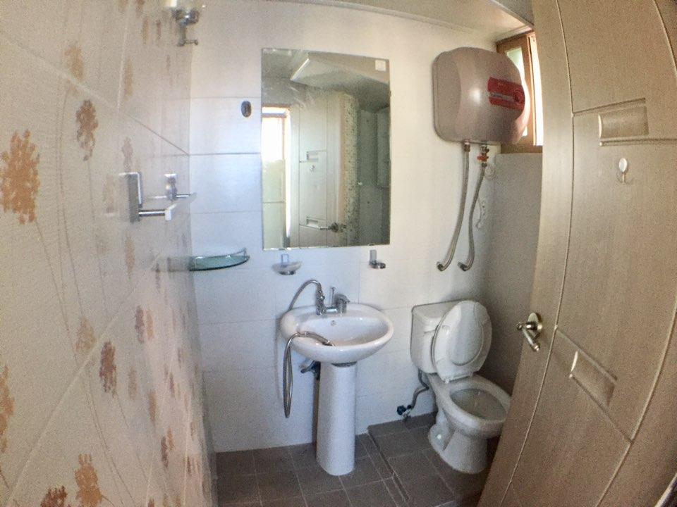 トイレ、シャワー